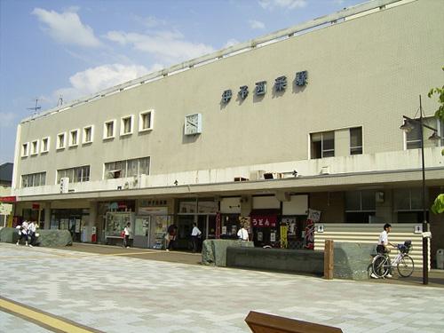 JR伊予西条駅前広場